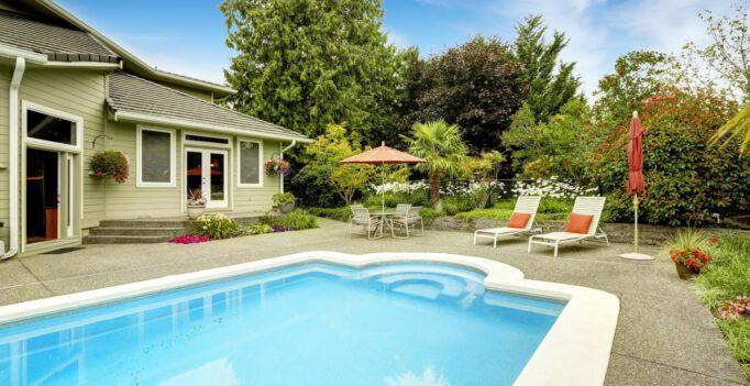 zwembad in tuin